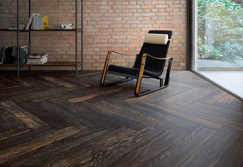 Piastrelle Effetto Legno Tortora : Piastrella in gres porcellanato effetto legno black fioranese